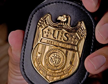 Агенты Военно-морским отделом по расследованию преступлений США (NCIS) совместно с инженерами подшипниковых компаний-производителей совершили рейд на склад дистрибьютора поддельных подшипников в Южной Каролине